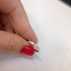 Simple gold diamond ring