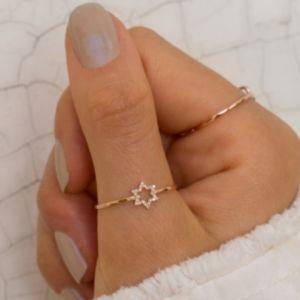 Tiny star ring