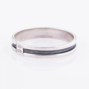 One srtipe silver ring for men