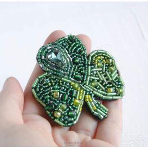 """Beaded brooch """"Shamrock leaf with crystal"""""""