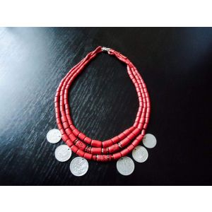 Beaded necklace «Merry Lady»