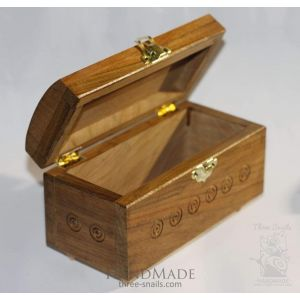 "Carved boxes ""Queen"""