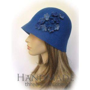 "Cloche hat ""Blue dream"""