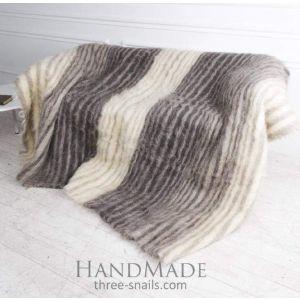 "Crafted wool blanket ""Horizon"""