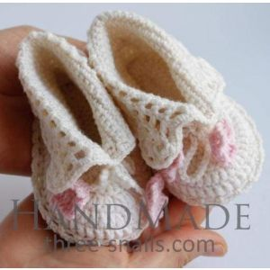 """Crochet baby shoes""""White tenderness"""""""