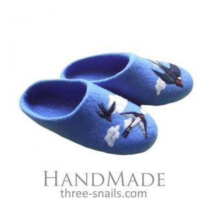 "Cute slippers ""Good Swallows"""