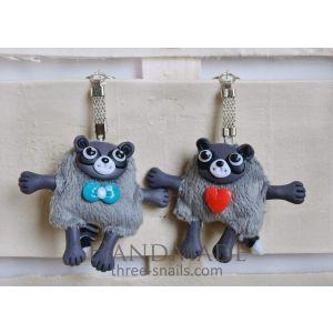 "Designer key chain ""Raccoon"""