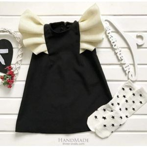 Dress for infant girl with wings