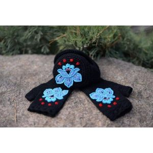"Ear muffs for women and mittens set ""Black swan"""