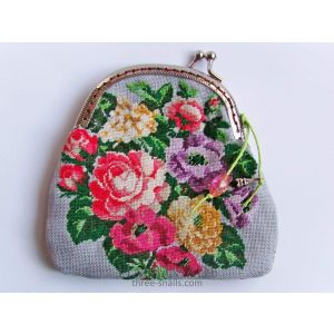 "Embroidered coin purse ""Rosy mood"""