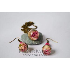 "Epoxy earrings and pendant ""Wild rose"""