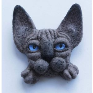 "Felt animals brooches ""Taupe sphinx"""