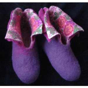 """Felted wool slippers """"Blooming garden"""""""