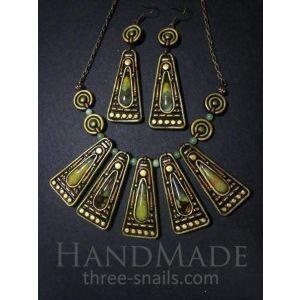 "Jade stone imitation jewelry set ""Triangle"""