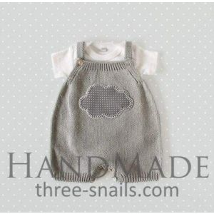 Knitted romper for babies