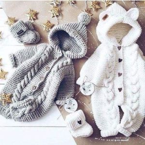Knitted rompers for babies