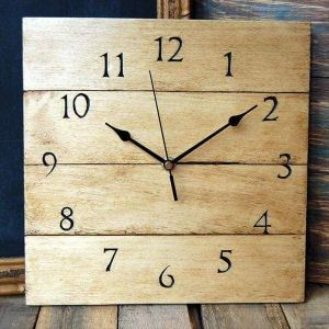 Large pallet wall clock