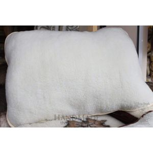 "Organic sheep fur pillow ""White sheep"""