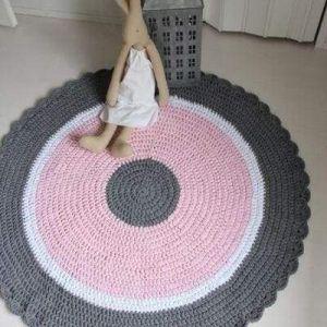 Pink pattern rug for nursery