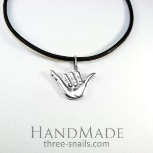 Shaka necklace «Hang loose»