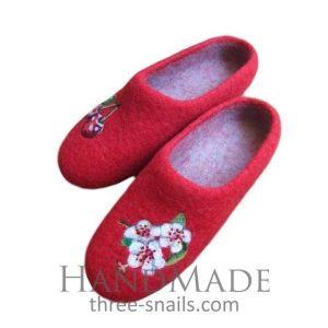 "Slippers for girls ""Сherry-tree"""