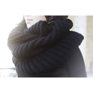 "Snood-scarf ""Black Swan"""