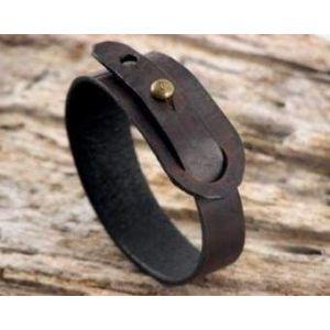 "Stud leather bracelet ""Cherry whiskey"""