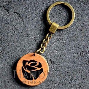 Wooden keychain rose