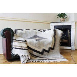 "Woolen handmade blanket ""Flower"""