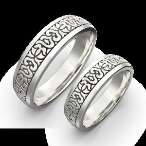 Gold carved ring band set