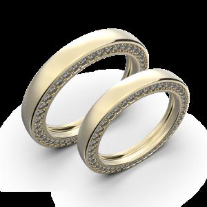 Diamond wedding band set in yellow gold