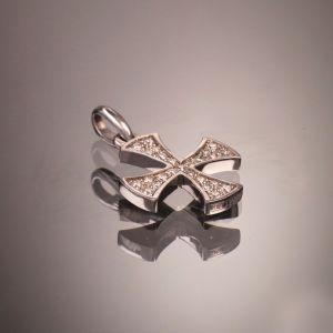 Cross diamond pendant