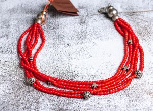 Ethnic loud glass necklace