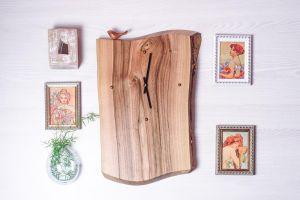 Wood wall clock with bird
