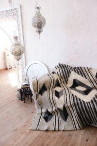 "Wool sofa throw ""Modern geometry"""
