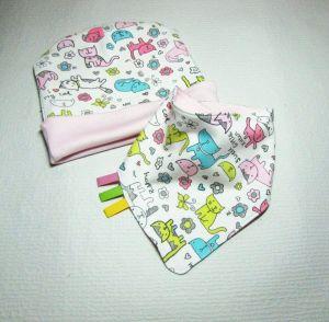 """Baby girl pink set: hat and bib """"Spring"""""""