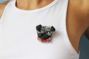 """Brooches """"Pug-dog with bow"""""""