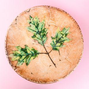 Oak leaves plate