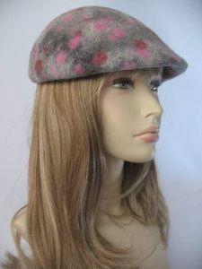 "Duckbill flat cap ""Strawberries"""