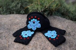 """Ear muffs for women and mittens set """"Black swan"""""""