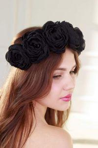 Head crown Black flowers