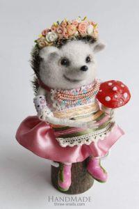 "Needle felting design toy ""Girl Hedgehog"""