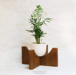 Plant stand brown
