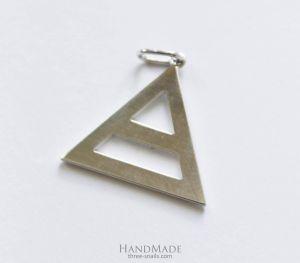 "Triangle pendant ""Triad"""