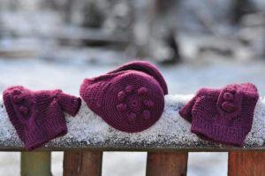 """Womens ear muffs and mittens set """"Burgundy love"""""""