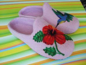"Womens house slippers ""Blue Hummingbird"""