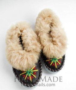 "Wool slippers ""Ethnic dance"""