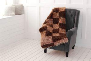 "Wool sofa throw in brown geometric pattern ""Сhequers"""