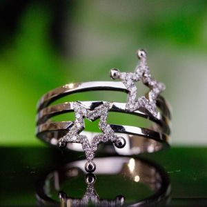 Star shaped diamond ring