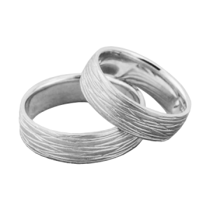 Lined wedding band set